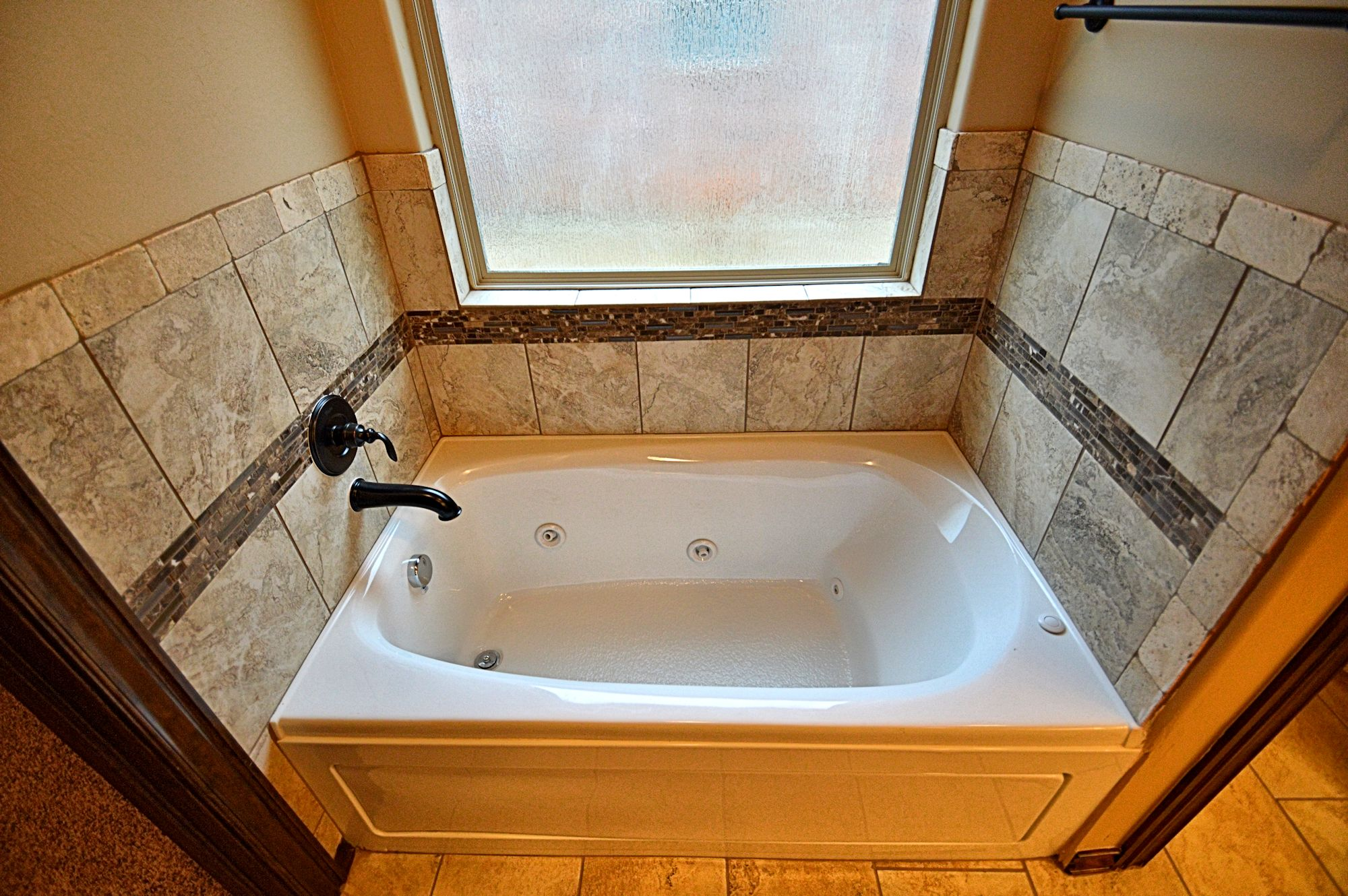 custom-tile-bathroom-bathtubs-moore-okc-ok